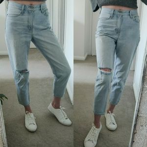 LEVI'S Jeans High Loose Taper Ripped Jeans SIZE 28